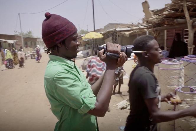 Le cinéaste Seidou Samba Touré dans un extrait de son documentaire,«Massiiba, le mal d'un peuple».