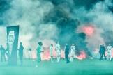 Des ultras du club stéphanois ont allumé fusées et fumigènes sur la pelouse du stade Geoffroy-Guichard, à Saint-Etienne.