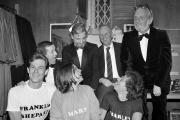 L'équipe de «Merrily We Roll Along», dans les coulisses de l'Alvin Theater, à New York, le 17 novembre 1981.