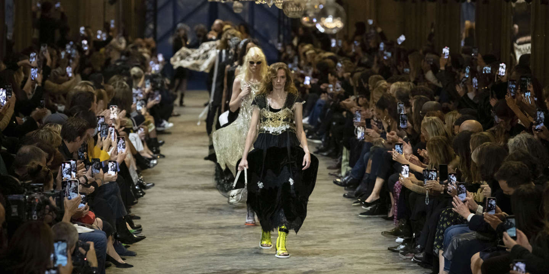 « Le droit se révèle un défi majeur pour les jeunes designers de mode »