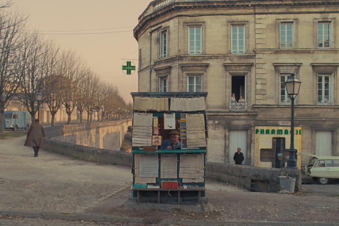 « The French Dispatch» se déroule dansun fantasme de ville française, Ennui-sur-Blasé (à laquelle Angoulême prête ses murs).