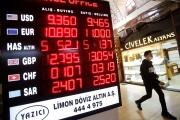 Un tableau indiquant les taux de change, à Istanbul, le 21octobre2021.
