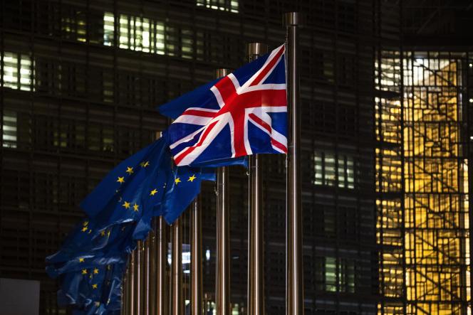 Que ce soit au Parlement européen, à la Commission ou à la table du Conseil, tout se passe comme si le Brexit n'avait pas eu lieu.