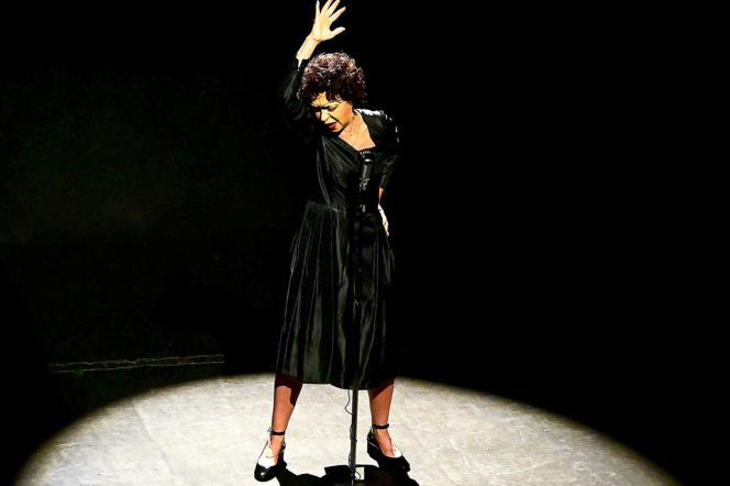 Béatrice Bonnaudeau dans «Edith Piaf, je me fous du passé» au Studio Hébertot, en septembre 2021.