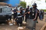 Intervention des forces de police lors d'une manifestation à Mamoudzou (Mayotte), le 2 septembre 2020.