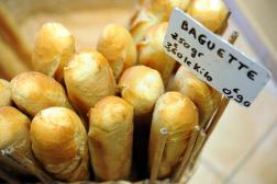 Des baguettes de pain dans une boulangerie de Quimper, en mai 2015.