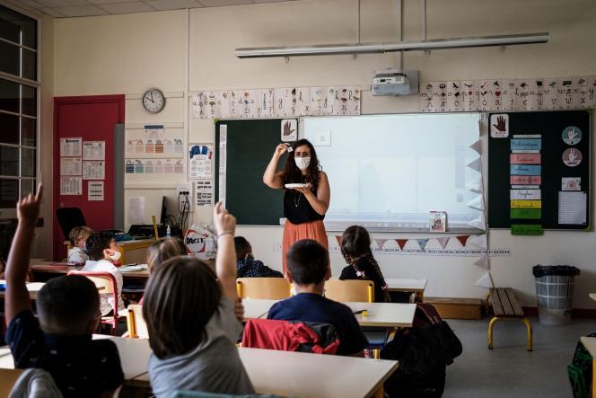 Le jour de la rentrée dans une école primaire de Lyon, le 2 septembre 2021.