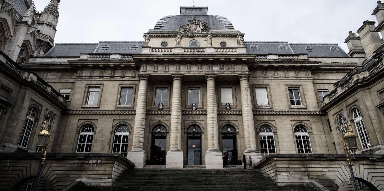 La peine de l'écrivain antisémite Hervé Ryssen allégée en appel