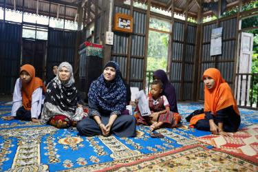 Dans un village près de Pattani, Pulakasing, on dénombre quatorze veuves de la guérilla.