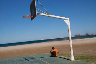 Sur la plage du centre ville de Melilla.© Olivier JOBARD / M.Y.O.P.