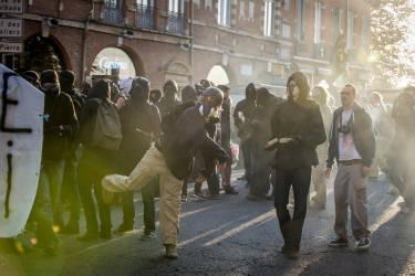 Samedi 1 novembre 2014, mort de Rémi Fraisse : la manifestation dégénèrent à Toulouse.Photo: Ulrich Lebeuf / M.Y.O.P pour Le Monde